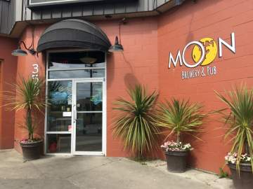 Cider Tap Takeover at the Moon @ Moon Under Water Brewpub | | |